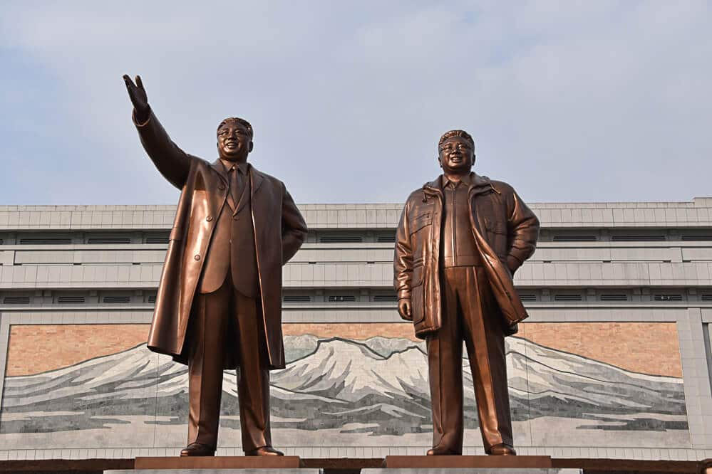 Kim Il Sung, Kim Jong Il, North Korean Statues