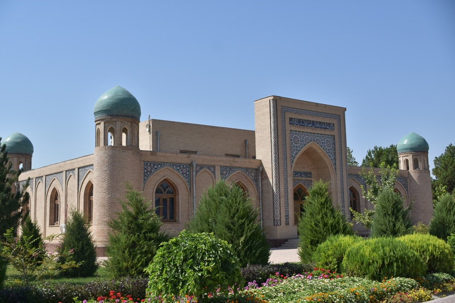 Al Hakim at Termizi Mausoleum